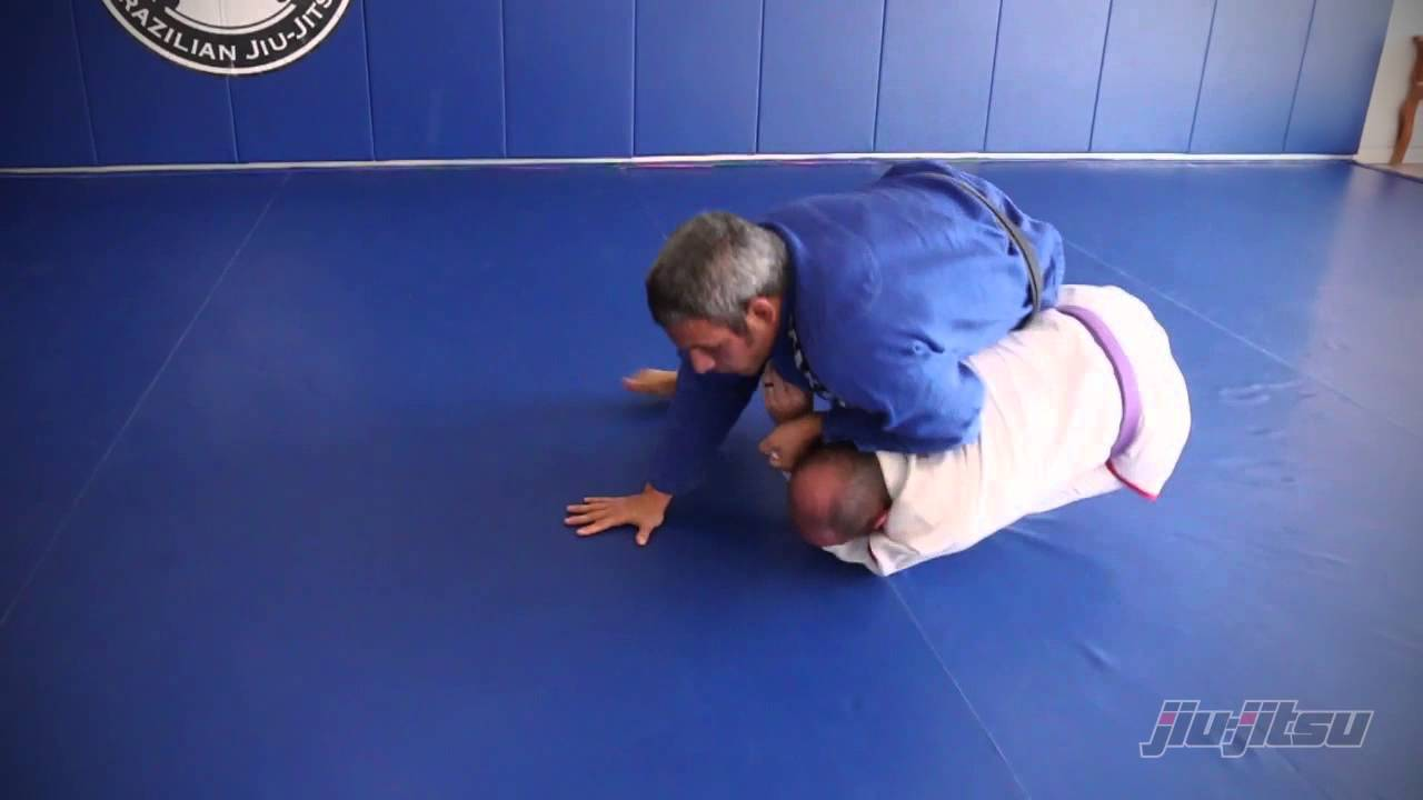 Reverse omoplata starting from the turtle position