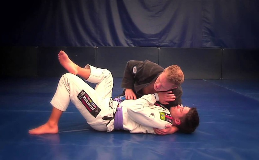 Little hand triangle choke from side control